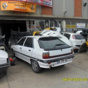 Renault 11 arka tanpon