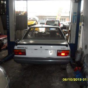 Renault 9 Arka Tampon