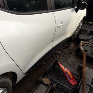 Renault Clio 4 Sağ Arka Kapı