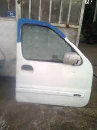 Renault Kangoo Sağ Ön Kapı